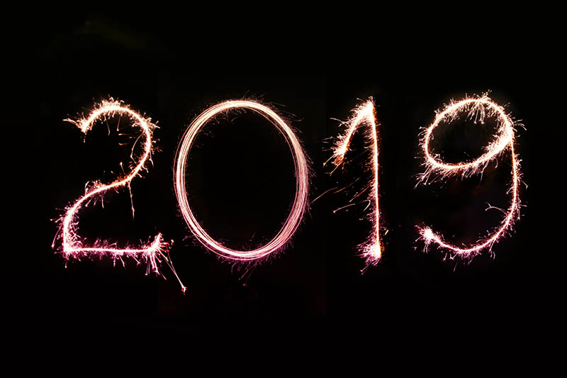 Image with black background and the year 2019